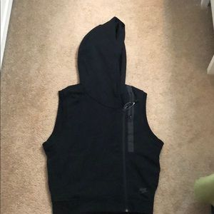NEW WITHOUT TAGS NIKE TECH FLEECE HOODY VEST